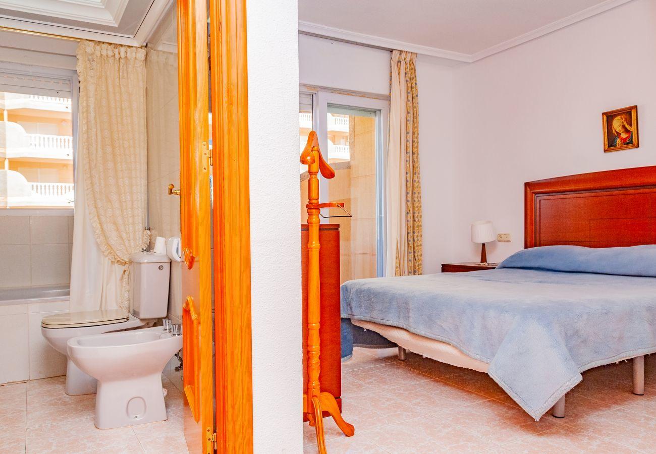 Apartamento en La Manga del Mar Menor - Castillo II P6 4ºA