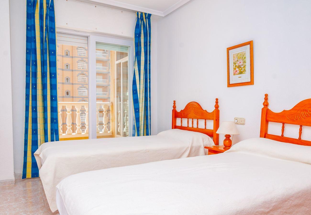 Apartment in La Manga del Mar Menor - Castillo II P6 4ºA